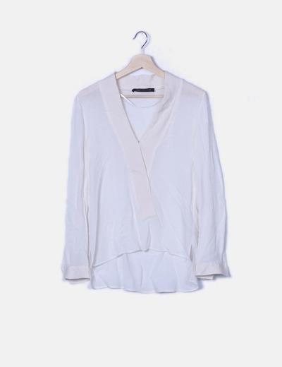 Blusa manga larga blanca escote en pico