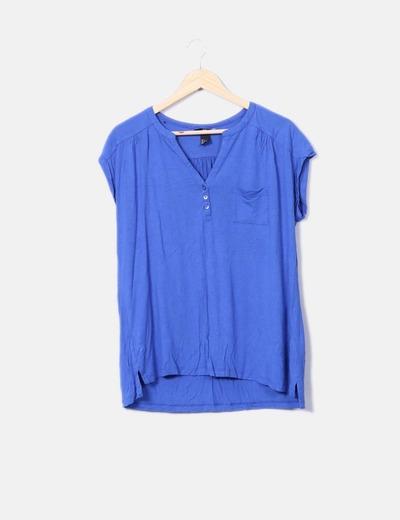 Camiseta azul escote pico H&M