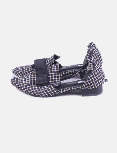 Zapato de punta cuadros con lazo