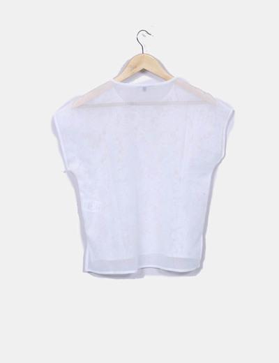 Camiseta semitransparente encaje