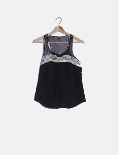 Blusa combinada negra