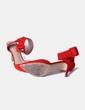 Zapato rojo antelina con pulsera Zara