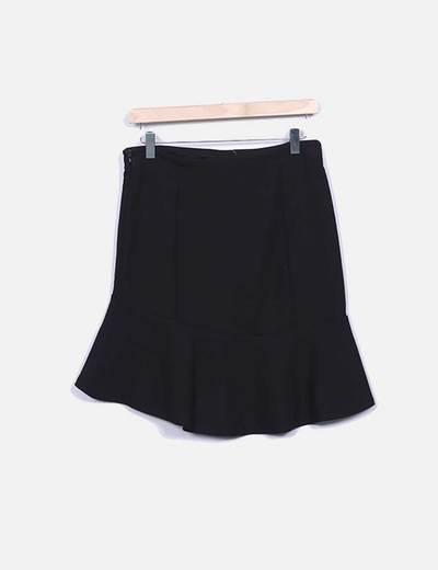 Falda midi negra con volante