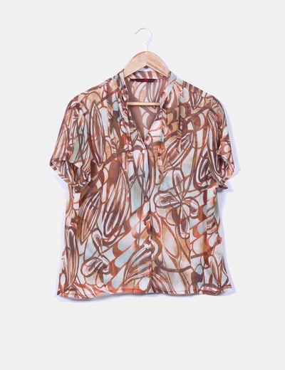 Blusa marron estampada