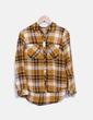 Camisa mostaza de cuadros Stradivarius