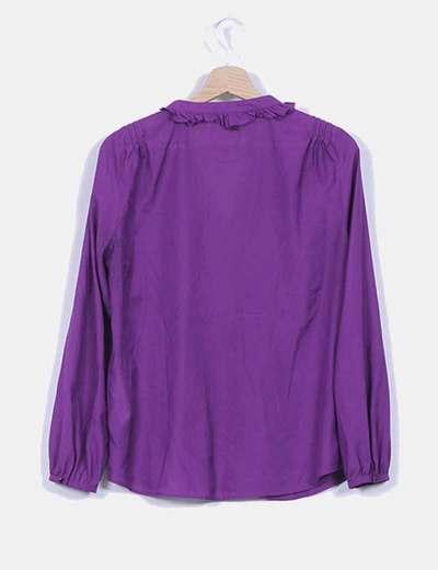 Camisa morada botonadura avolantada