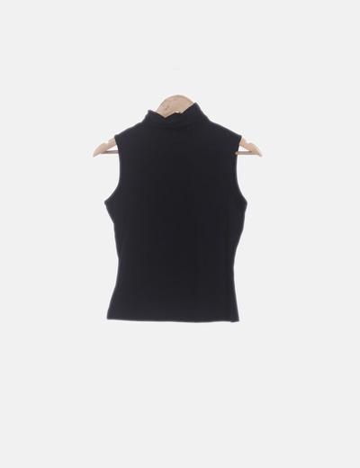 Camiseta licra negra cuello vuelto