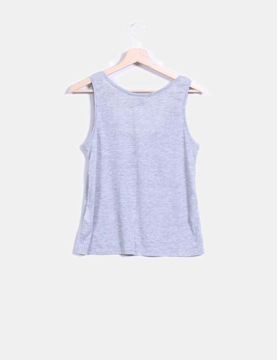 Camiseta gris con strass