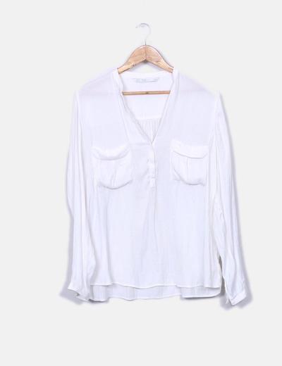 Camisa blanca satén con bolsillos