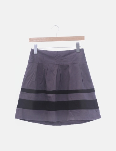 Falda gris raya