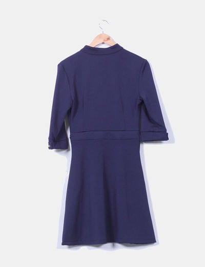 Vestido azul marino texturizado detalle cadenas