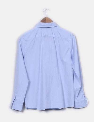 Camisa azul con chorrera