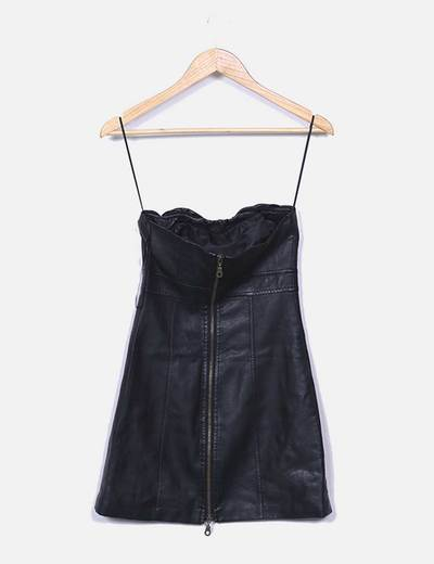 Vestido polipiel negro escote palabra de honor