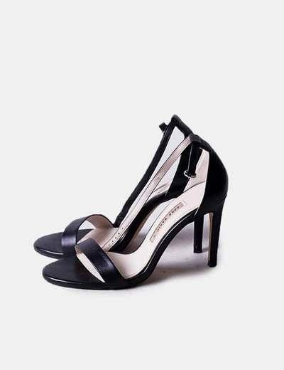 Sandalia negra con pulsera