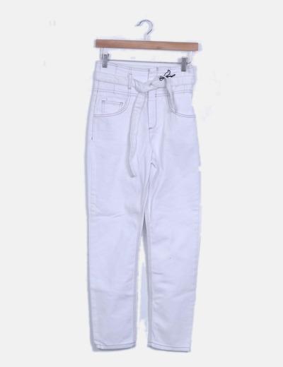 Jeans denim blanco tiro alto