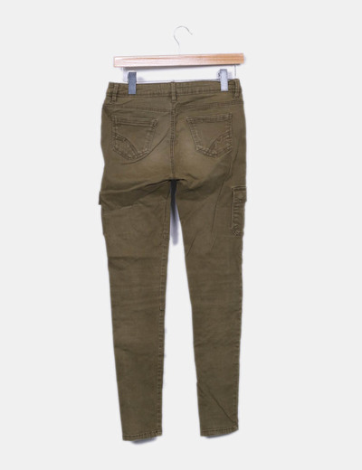 Pantalon verde kaki bolsillos
