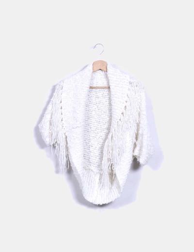 fec24a1fa43e8 Bershka Chaqueta corta blanca con flecos (descuento 85%) - Micolet