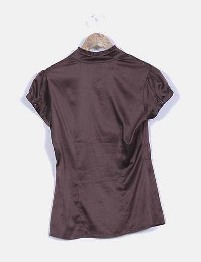 Blusa texturizada escote v