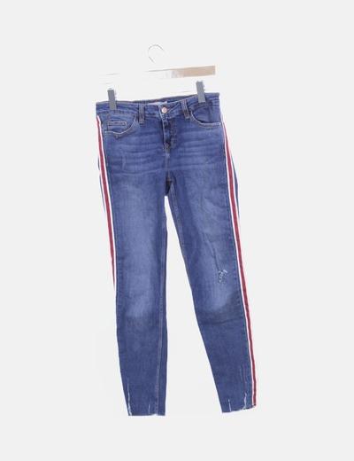 Jeans denim azul marino detalle lateral