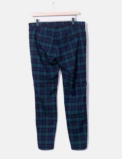 Pantalon capri con cuadros bicolor