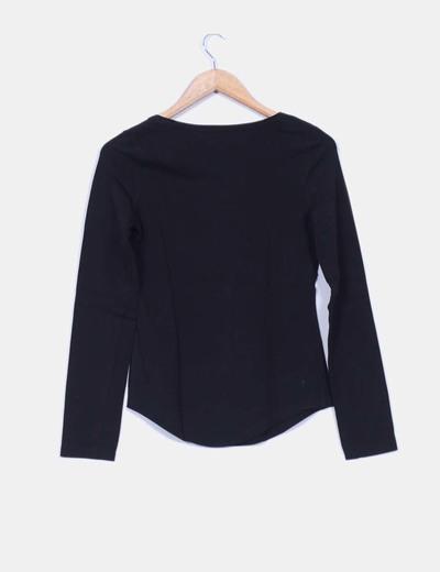 Camiseta basica negra manga larga