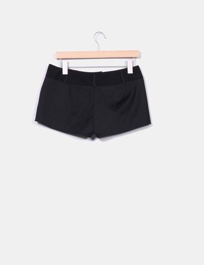 Shorts negro cintura texturizada