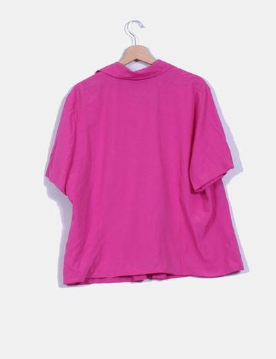 Camisa rosa fucsia detalle volante
