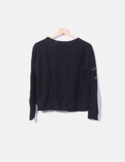 Jersey negro con detalles cremalleras