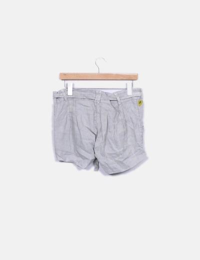 Short beige con cinturon