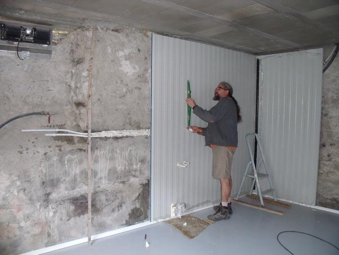 Doublage des murs en cours