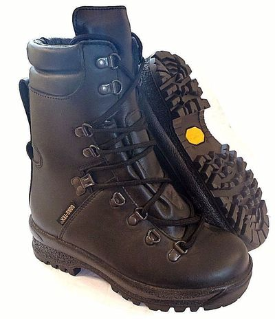 British Army ECW Goretex® Boots - New