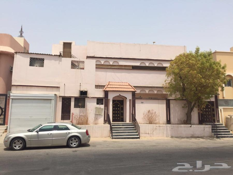 بيت للبيع في حي العويمرية في الهفوف