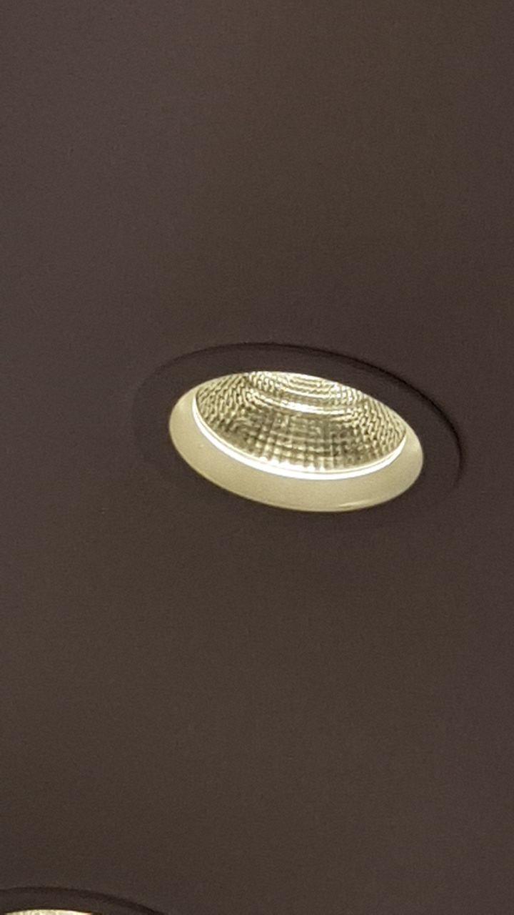 للبيع لمبات LED ليد جديدة مقاس 14  اصفر 35وات