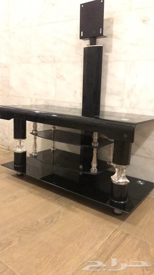 طاولة تلفزيون مستخدمة