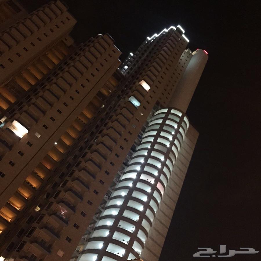 شقة للبيع في برج المسارات على كورنيش جدة