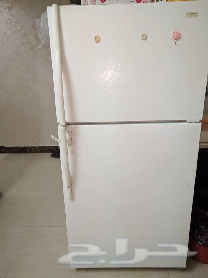 للبيع ثلاجتين فرن ودواليب مطبخ مكنسة كهربائية