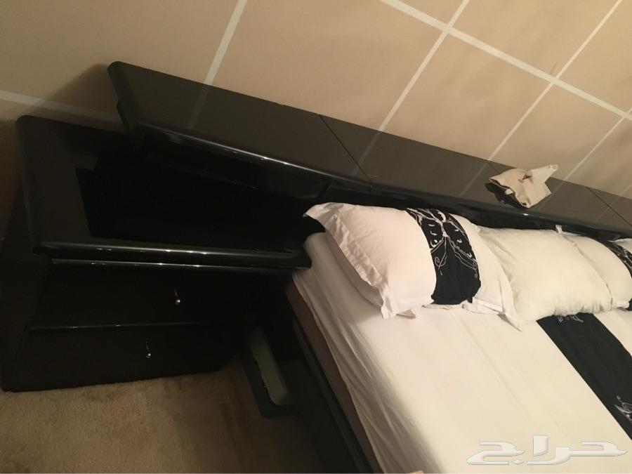 سرير وتسريحه كنديه