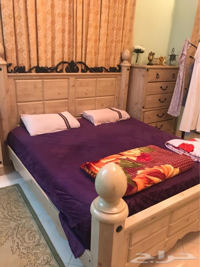 غرفة نوم امريكي و مكتب مجزء او كامل للبي