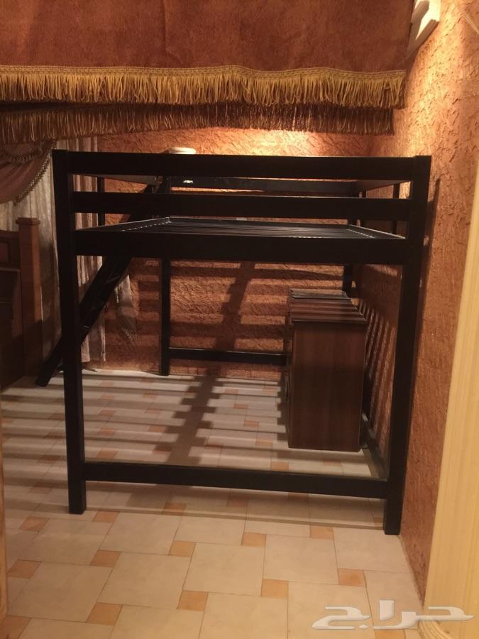 سرير خشب من إيكيا للأطفال