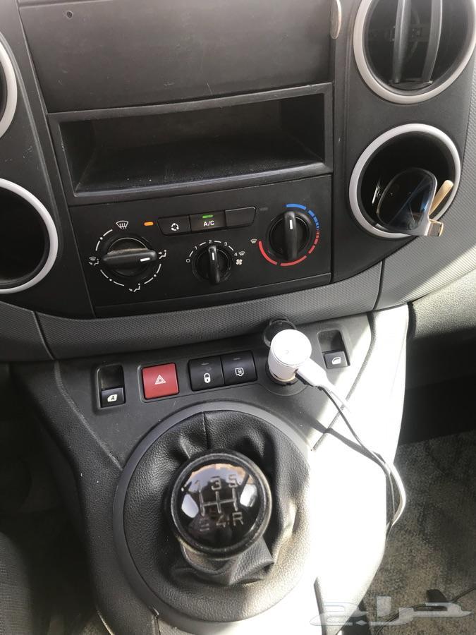 »  بيجو فان مجهزة لمغسلة سيارات متنقلة