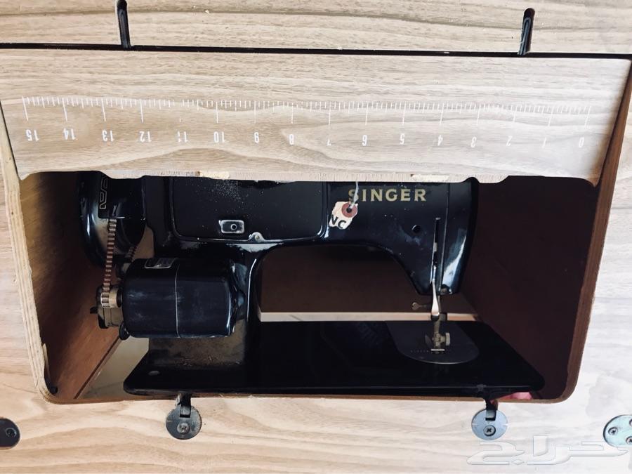 مكينة خياطة سنجر ومكينة تطريز جوكي جديده