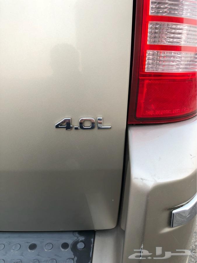 للبيع سيارة عائلية 7 أشخاص