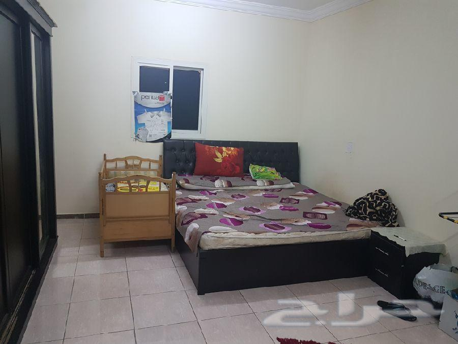 غرفة نوم وركنة للبيع