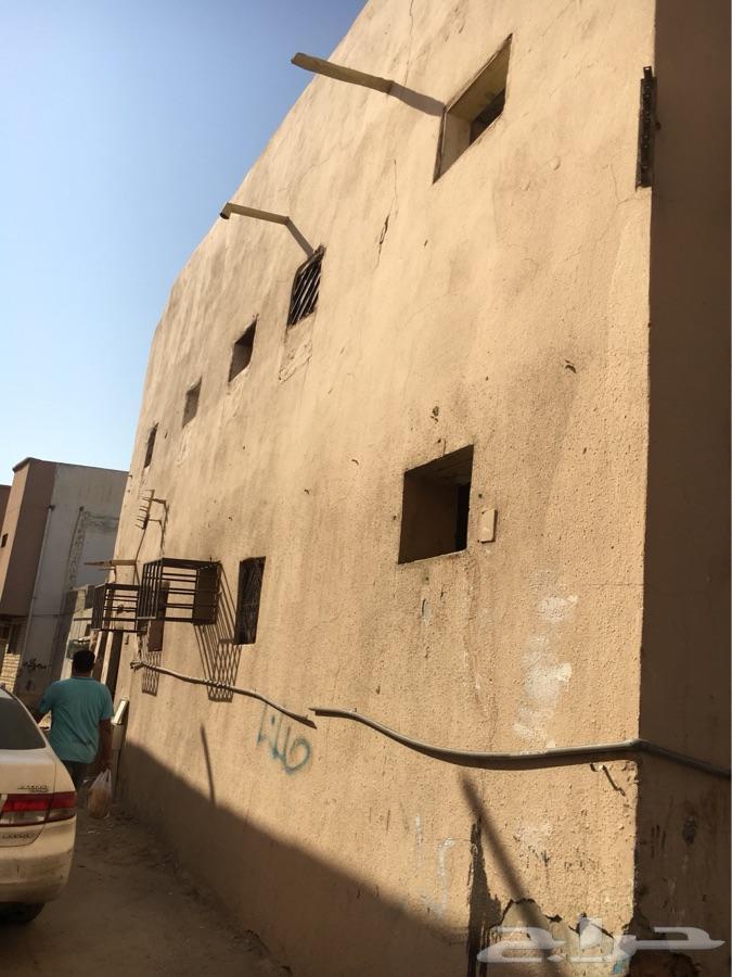 بيت للبيع في حي العود