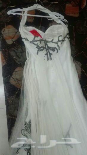 فستان للبيع جديد