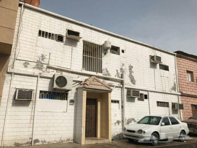 للبيع عماره قديمة هدام فى الدمام مدينة العمال