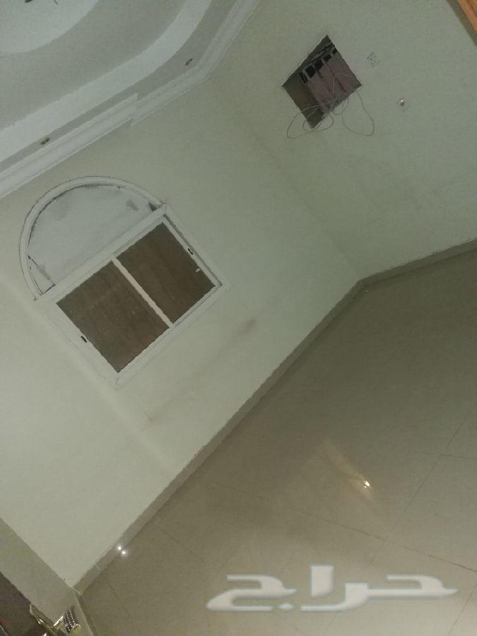 للعزاب... شقة في بطحاء قريش المنطقة المركزية