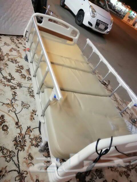 سرير طبي كهربائي وكرسي كهربائي