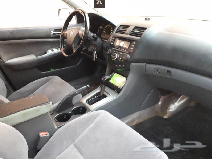 للبيع سيارة اكورد موديل 2006 نظيف وممشى قليل