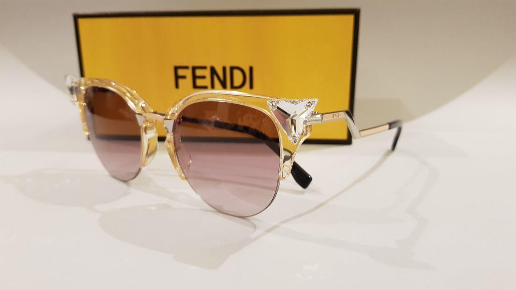نظارات شمسية أصلية ماركة فيندي
